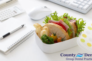 Don't Rush Out the Door Without a Healthy Lunch